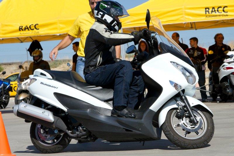 Asistimos a la Escuela de Conducción Segura de Suzuki (image)