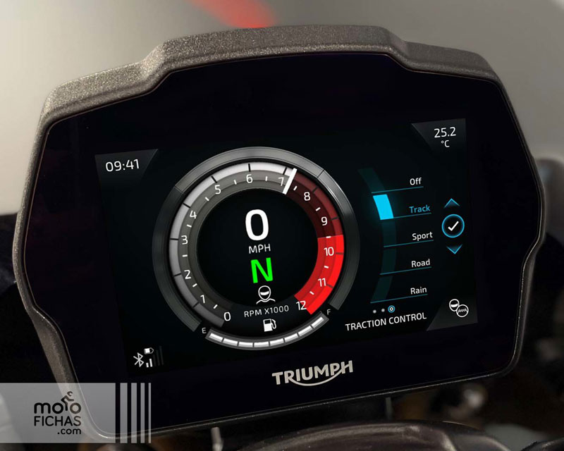 prueba triumph speed triple 1200 rs accion albacete texto 12