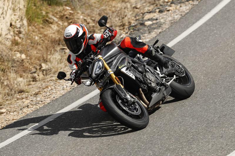 prueba triumph speed triple 1200 rs accion albacete texto 8
