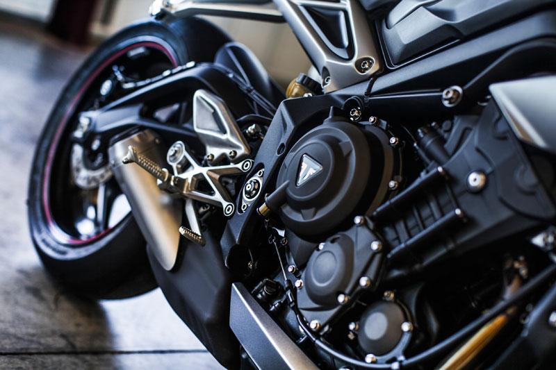 triumph street triple rs 2017 motor