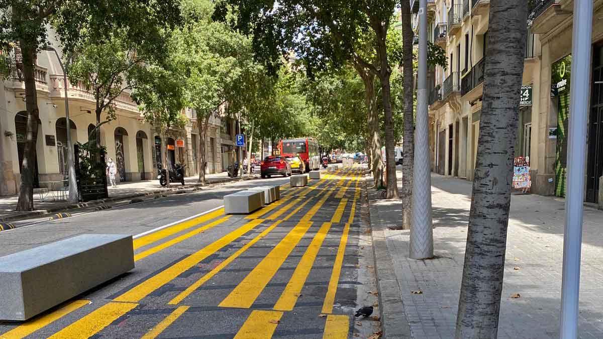 Anesdor solicita la retirada de los bloques de hormigón que el Ayuntamiento de Barcelona ha colocado en las calzadas (image)