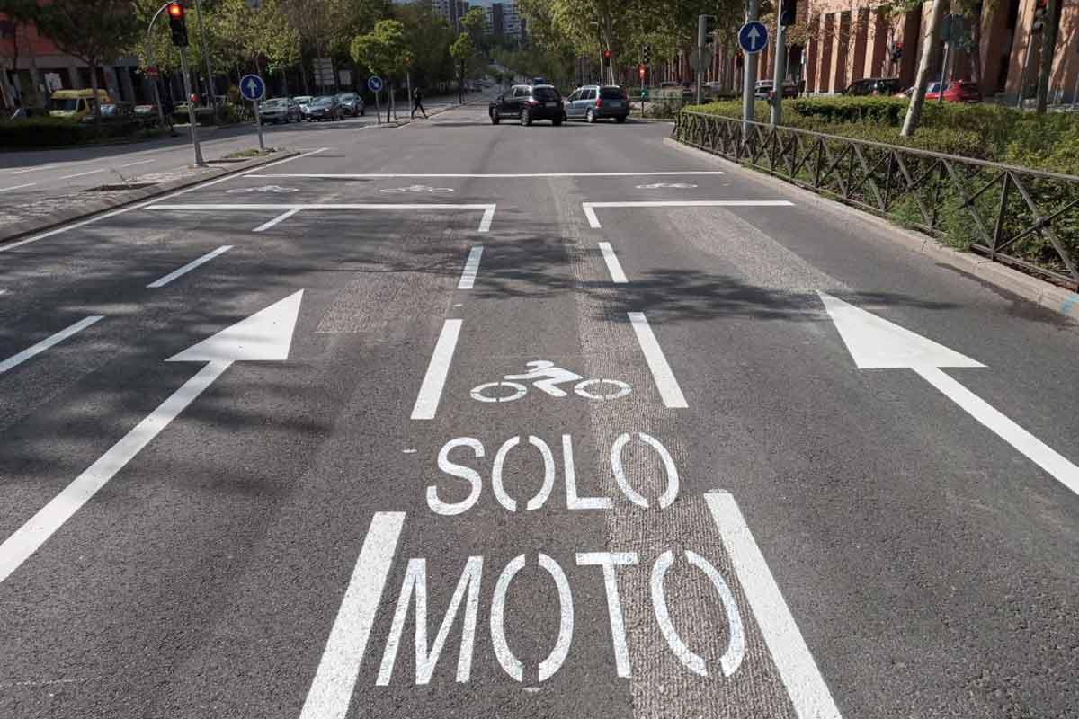 Avanza Moto: carril específico para motos de Madrid (image)