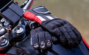 equipamiento adventure bmw 2021 guantes