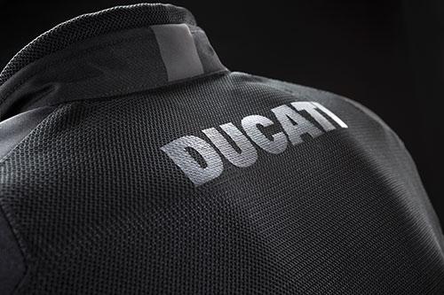 chaquetas ventiladas ducati 02