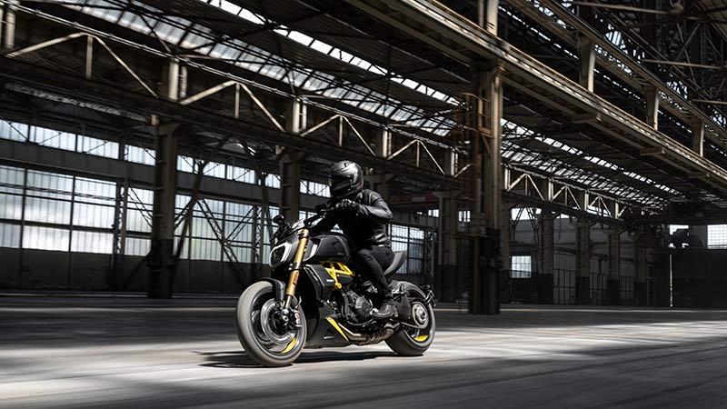 Ducati Diavel 1260 S black steel 2022 05