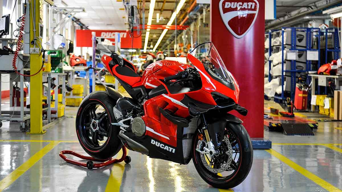 Así se fabrica la Ducati Superleggera V4 (VIDEO) (image)
