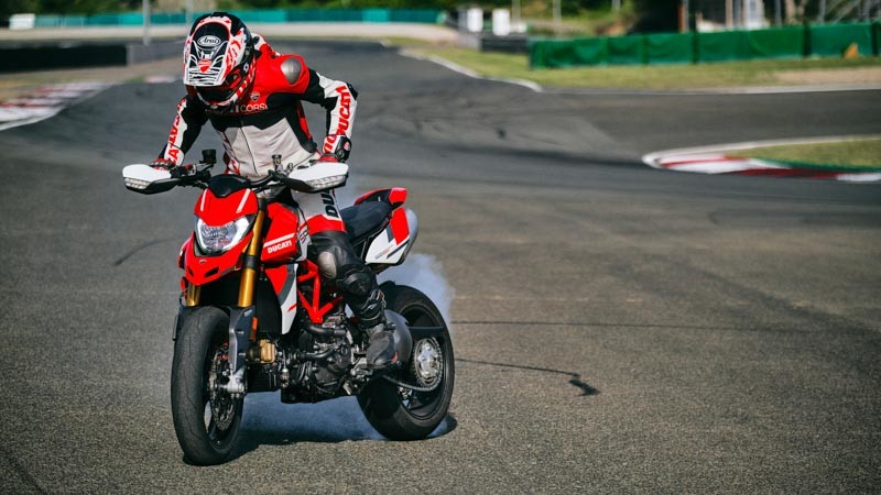 Ducati Hypermotard 950 SP 2022 05