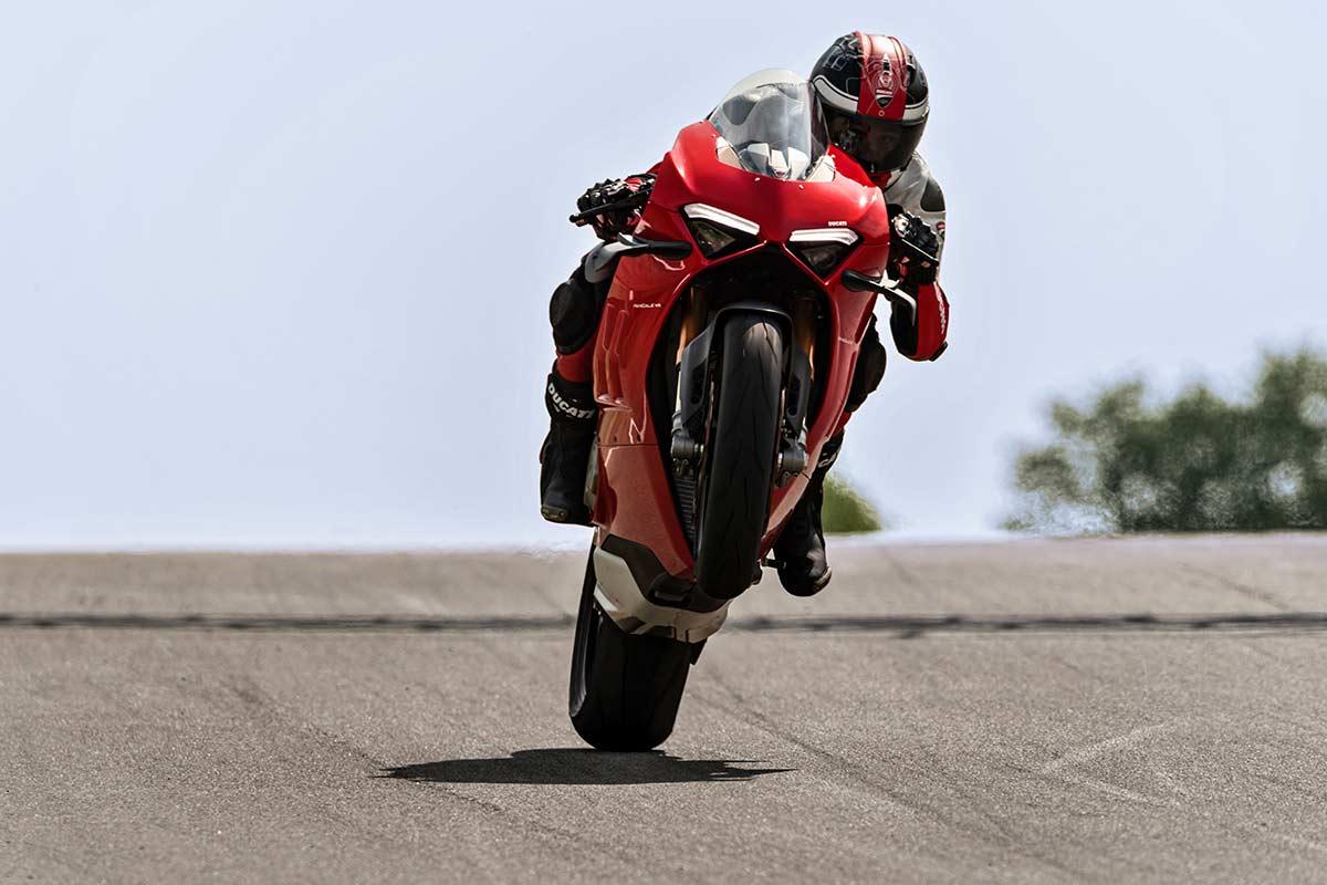 Exprime al máximo tu Ducati Panigale V4 con la ayuda de estos tutoriales (VIDEO)   (image)