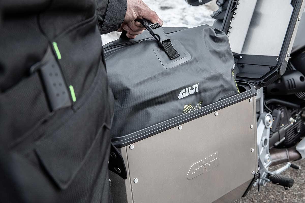 Complementos Givi para maletas de aluminio (image)