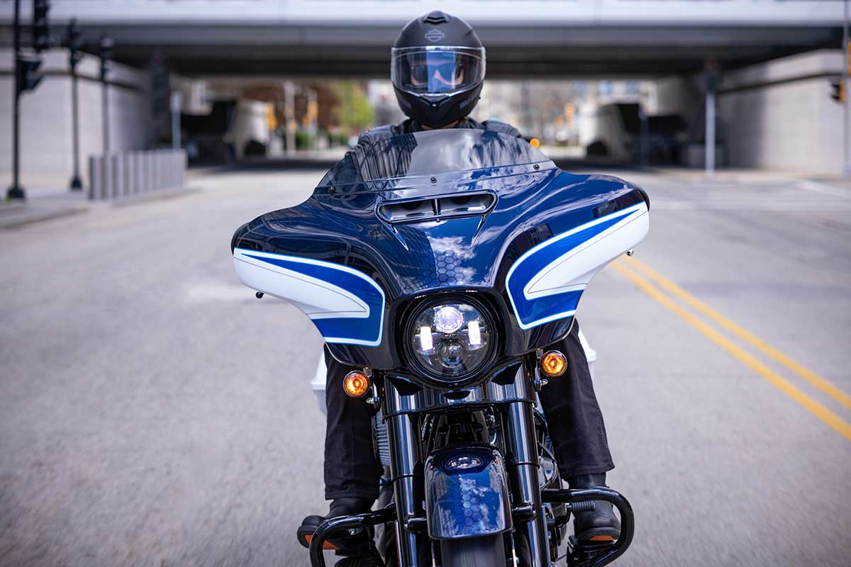 Harley-Davidson Street Glide Special Arctic Blast Limited Edition 2022 (VIDEO) (image)