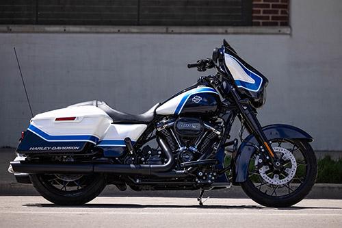 Harley Davidson Street Glide Special Arctic Blast Limited Edition 02
