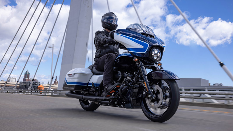 Harley Davidson Street Glide Special Arctic Blast Limited Edition 03