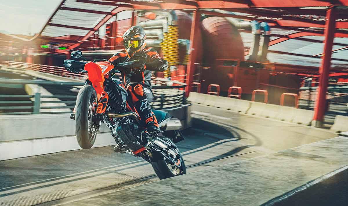 KTM 690 SMC R y Enduro R 2021: ¡leña al mono! (image)