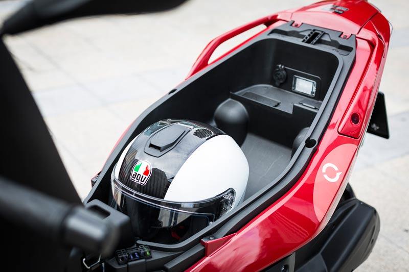 prueba malaguti madison 300 2019 hueco casco