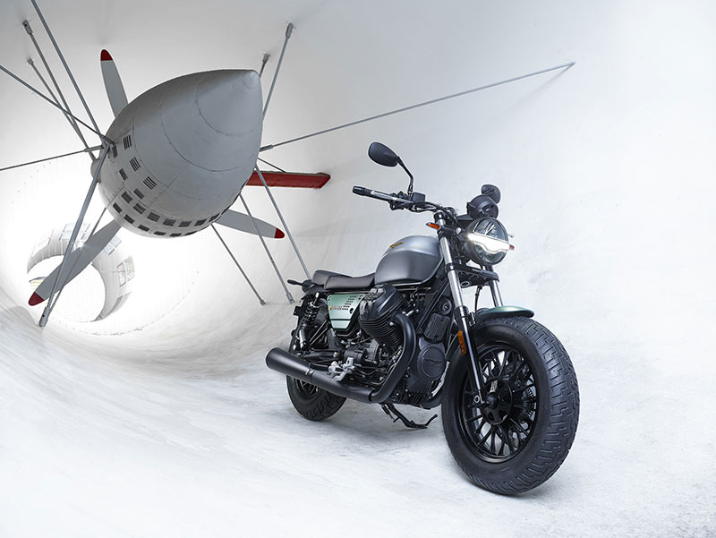 Moto Guzzi V9 Bobber Centenario 2021
