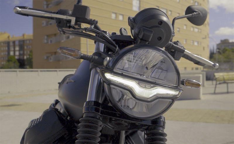 prueba moto guzzi v7 2021 accion texto 3