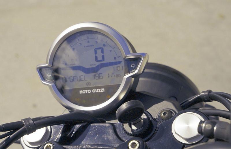 prueba moto guzzi v7 2021 accion texto 5
