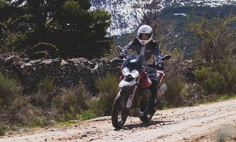 Prueba Moto Guzzi V85 TT: trail con sello propio (image)