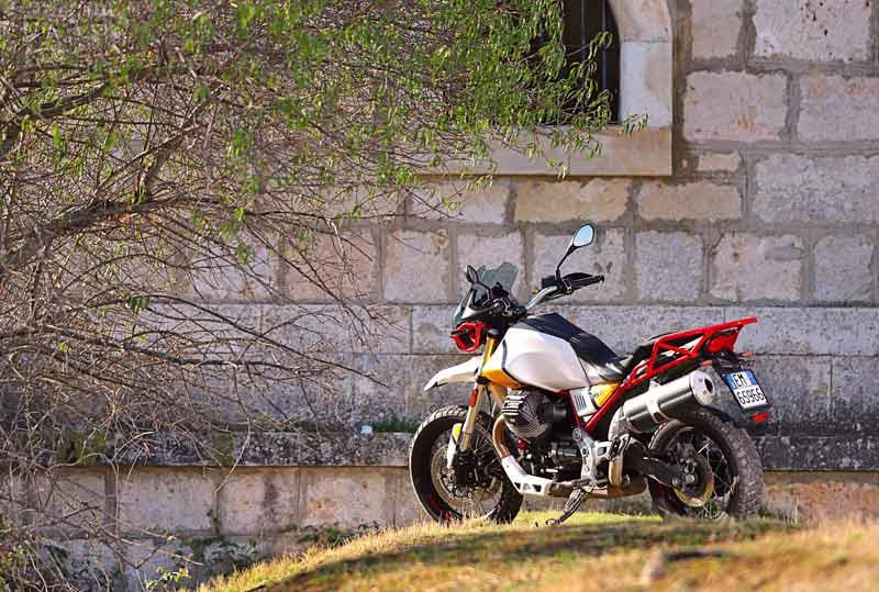 moto guzzi v85 tt prueba estatica 01