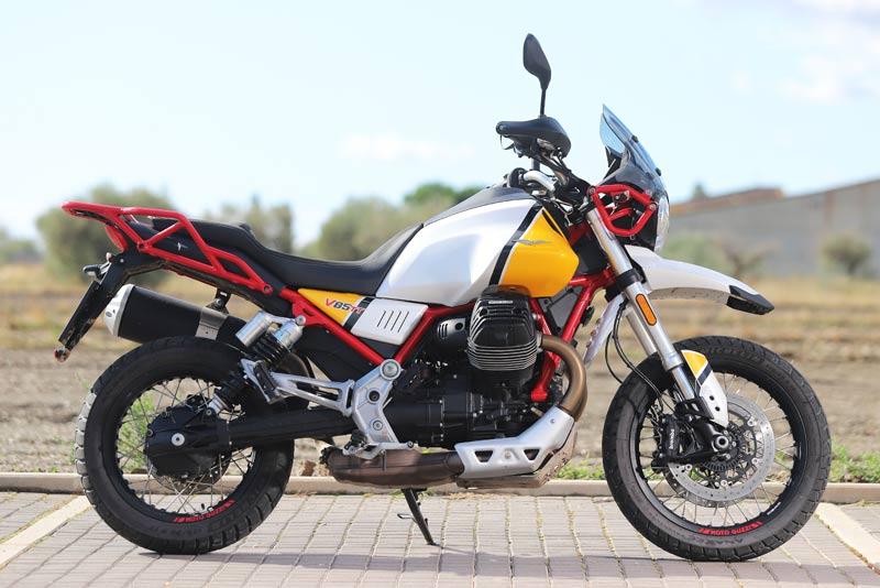 moto guzzi v85 tt prueba estatica 03