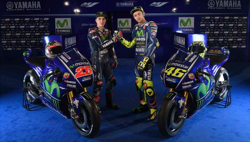 Viñales y Rossi nos enseñan sus Yamaha 2017 (image)