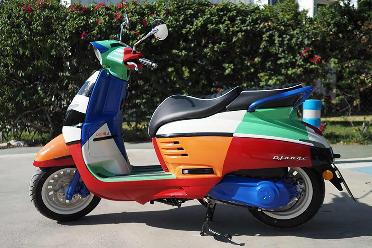 Peugeot Django MurOne: scooter retro y obra de arte (image)