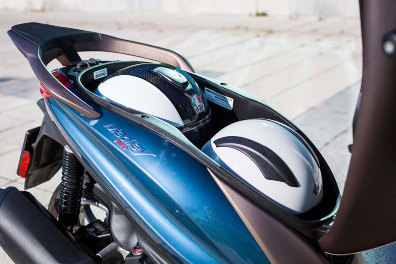 piaggio medley 125 2020 prueba hueco casco