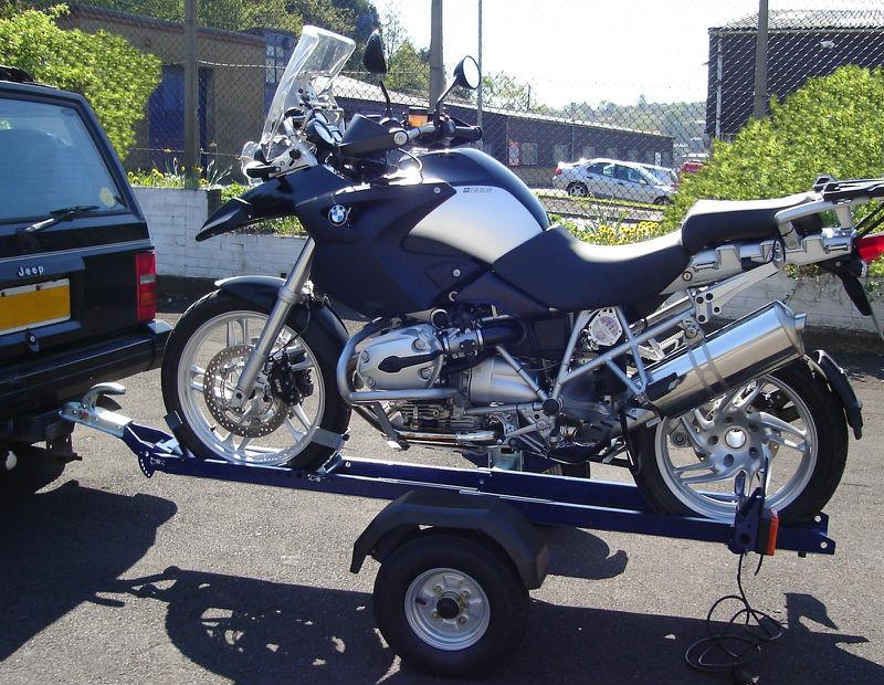 moto cargar remolque