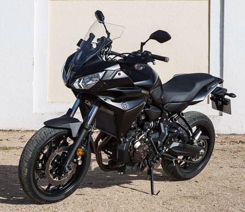 Yamaha Tracer 700 de perfil