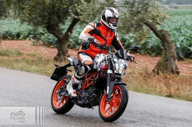 KTM prepara sus nuevas Duke 125/200/390 (image)