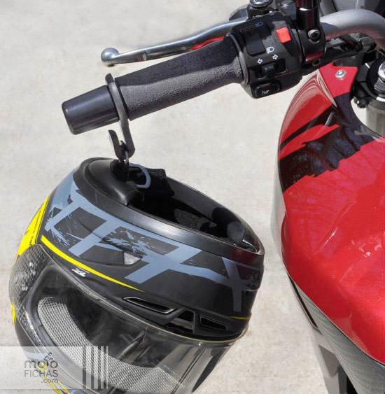 Gancho para evitar caídas del casco (image)