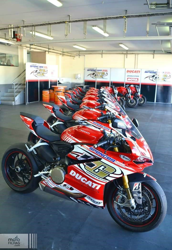 ducati track day spencer4g school panigale