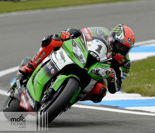 Carrera-Magny-Cours-Sykes-2014