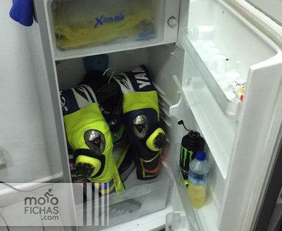 Así combate Rossi el calor en Sepang (image)