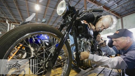 Donald-DeVault-Found-Triumph-Motorcycle-2