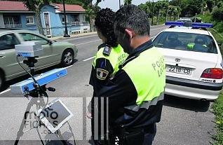 Conductores sancionados por volver la cabeza al ver un radar (image)