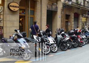 San Sebastián planea que las motos paguen por aparcar (image)