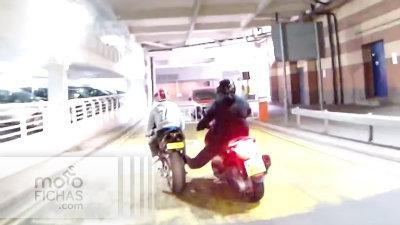 Le arrojan ácido al tratar de impedir un robo de moto (image)