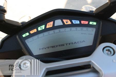prueba-ducati-hyperstrada-detalle-instrumentacion-lateral