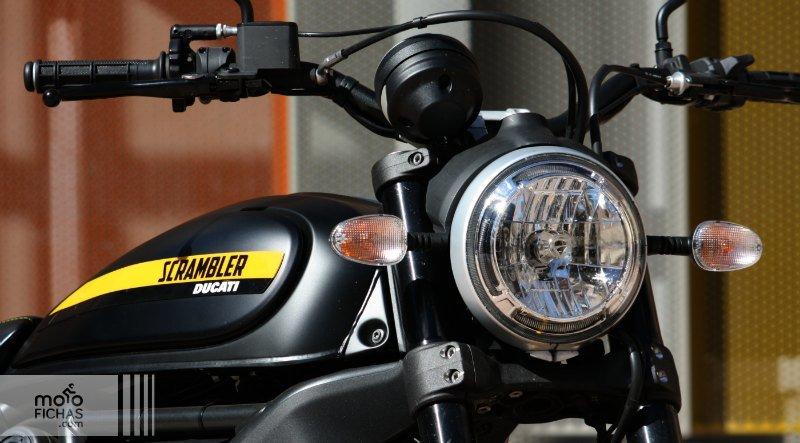 prueba ducati scrambler full throttle detalle faro texto