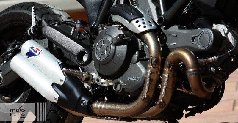 prueba ducati scrambler full throttle detalle sistema escape texto