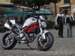 Nueva Ducati Monster 796: Con el motor de la pequeña Hypermotard (image)