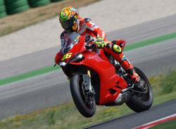 Valentino Rossi prueba la Ducati Panigale (image)