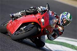 Nueva escuela Troy Bayliss Academy en la Ducati Riding Experience 2011 (image)