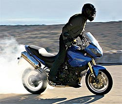 Malas nuevas: la gasolina por las nubes, los neumáticos pueden duplicar su precio en 2012 (image)
