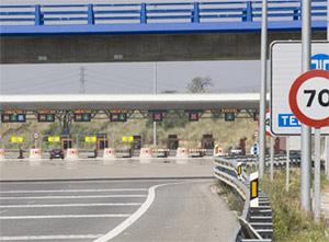 Las autopistas de peaje, en horas bajas (image)