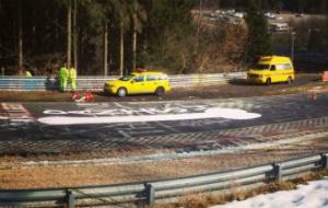 Cierran Nurburgring por un pene gigante (image)
