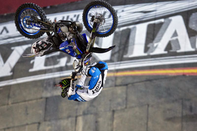 red_bull_x-fighters_2013_02