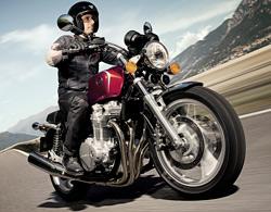 Nueva Honda CB1100: embrujo clásico (image)