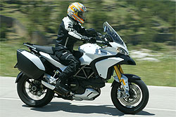 Prueba Ducati Multistrada 1200 S Touring: elije tu propia aventura (image)